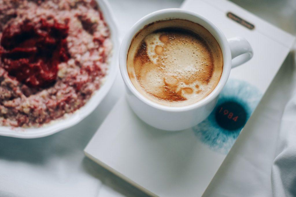 Kawa na śniadanie to błąd
